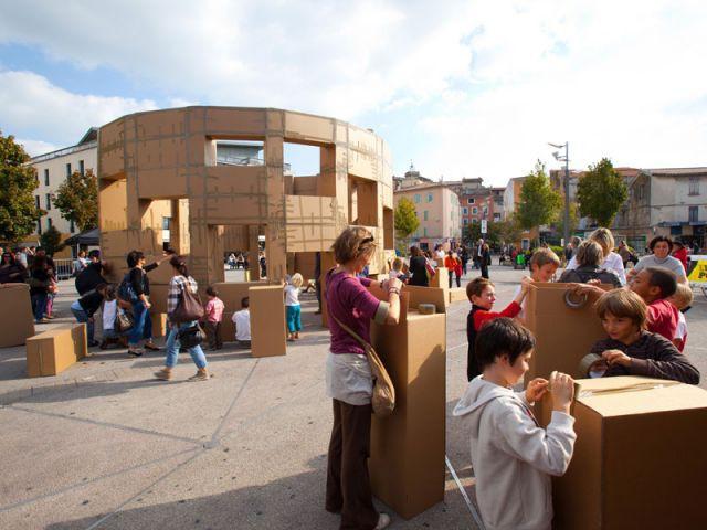 Préparation des cartons - Ville éphémère - Olivier Grossetête