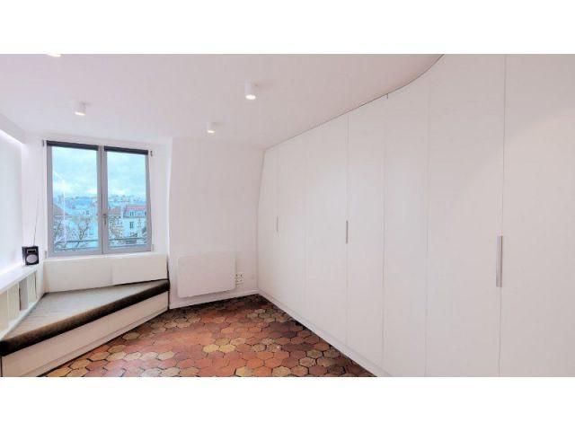 Lit gigogne dans le salon-séjou - appartement parisien - Francesca de Marchi