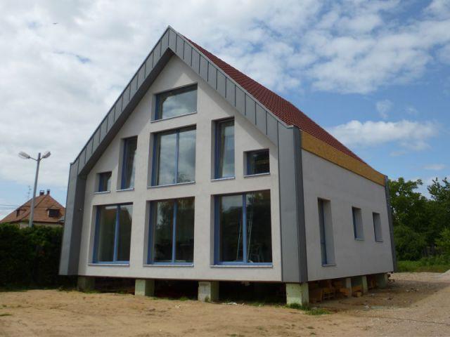 une maison passive qui vise l 39 excellence thermique. Black Bedroom Furniture Sets. Home Design Ideas