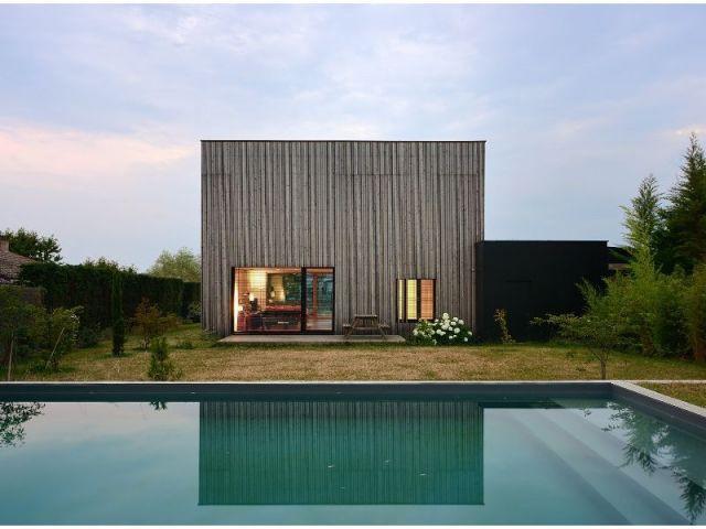 Vue avec piscine - villa B
