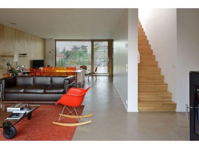 Salon et touches colorées - villa B