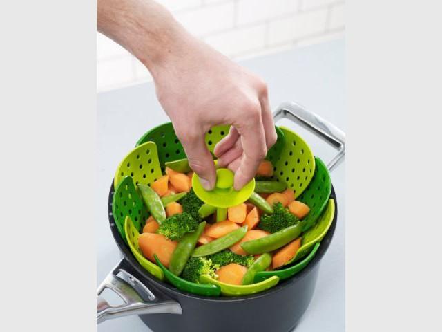 Egoutter les aliments d'une seule main - Accessoires de cuisine malins