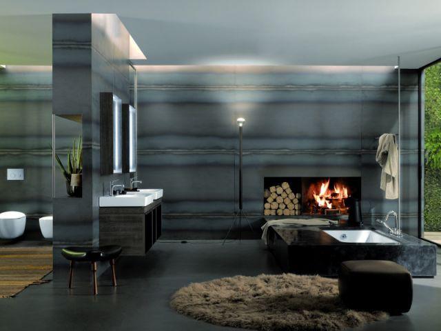 Une salle de bains autour d'une cheminée - Ambiances chaleur hiver