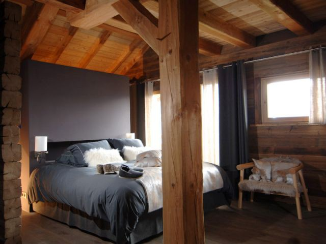 Une suite parentale en vieux bois - Chalets Bayrou