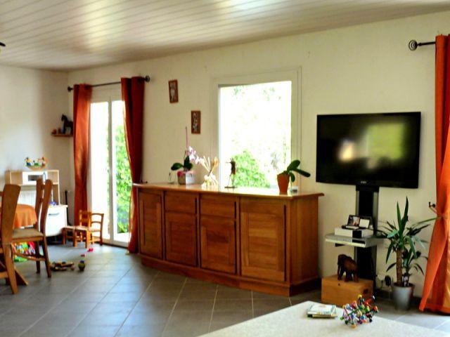 Des meubles dépareillés et trop massifs - Rénovation déco salon
