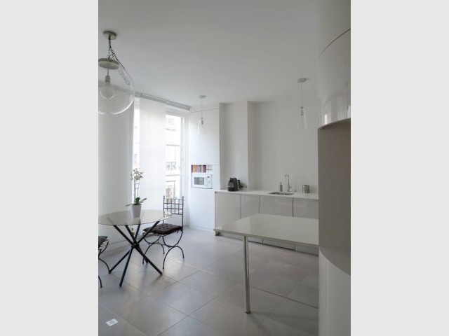 Une cuisine au mobilier contemporain - Rénovation décloisonnement