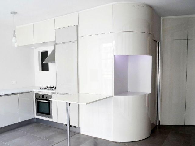 Un meuble courbe pour plus de rangements - Rénovation décloisonnement