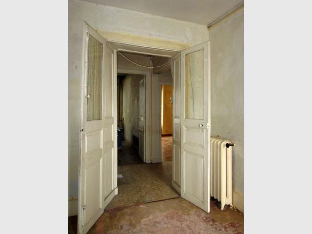 Des tomettes au sol du séjour - Rénovation décloisonnement