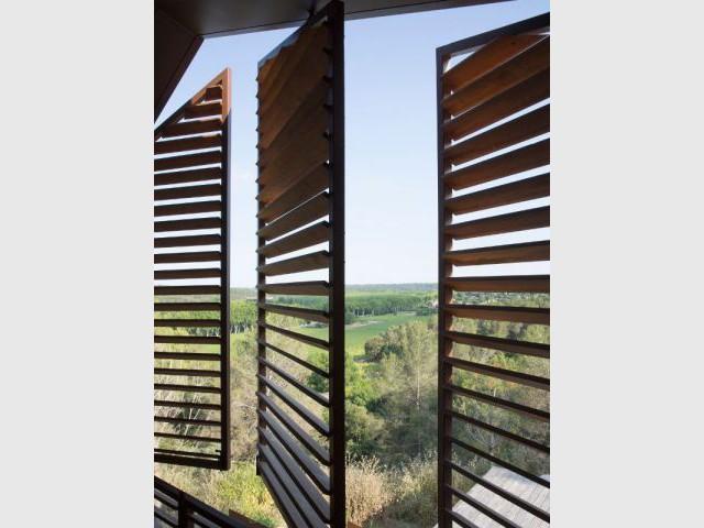 Brise-soleil en bois - Maison Nourrigat-brion