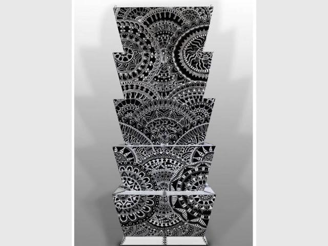 Le meuble à l'encre noire de Chantal Saccomanno - Une collection d'objets décoratifs dédiée au motif