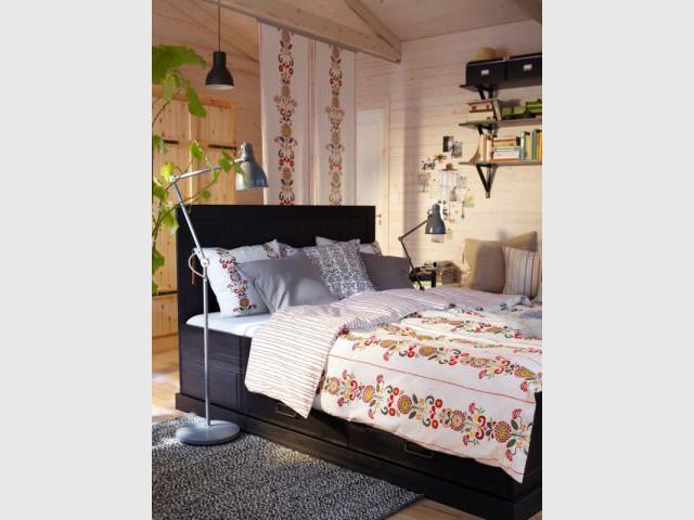 sparer avec des panneaux japonais with comment sparer une chambre en deux sans percer. Black Bedroom Furniture Sets. Home Design Ideas