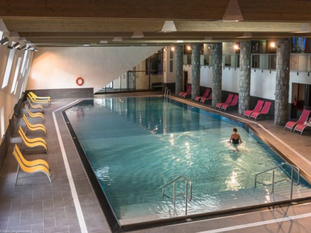 Un bassin en inox  - La résidence de tourisme MGM à Flaine