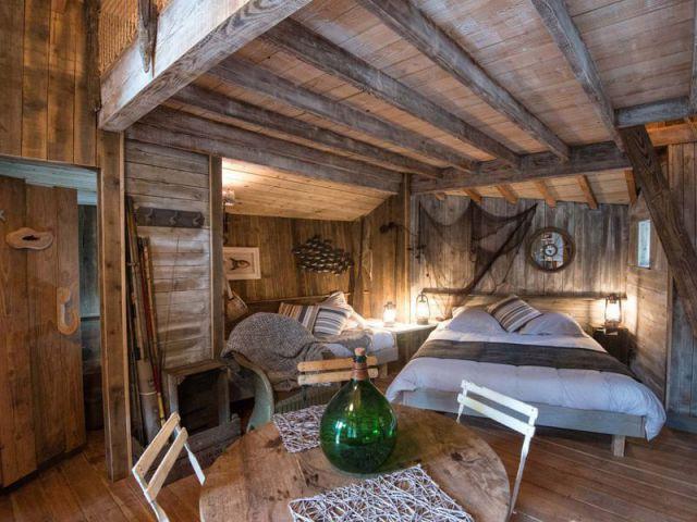 1 village de cabanes en bois dans la for t vosgienne. Black Bedroom Furniture Sets. Home Design Ideas