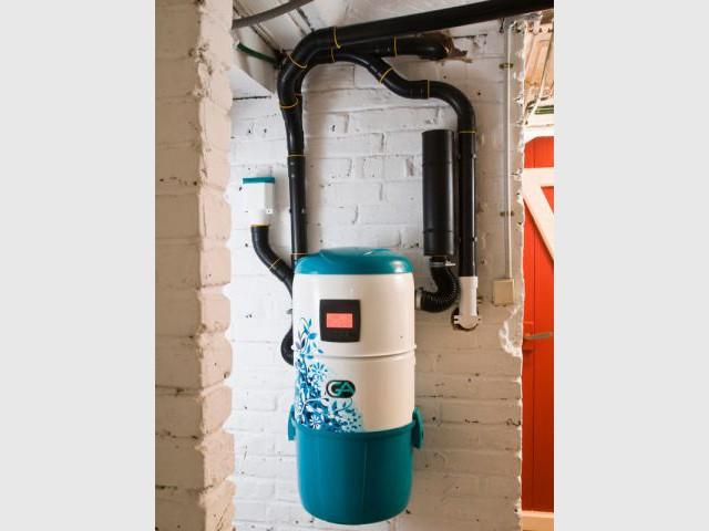 1 aspirateur centralis d poussi re une maison mal agenc e. Black Bedroom Furniture Sets. Home Design Ideas