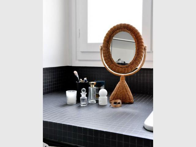 Une attention accrue aux détails - Une salle de bain graphique et rétro