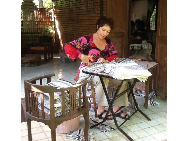 A la main - La fiancée du Mékong