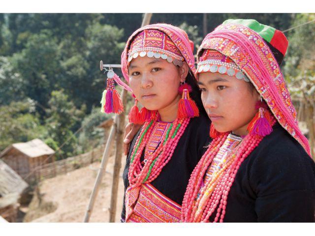 jeunes filles du peuple Akha