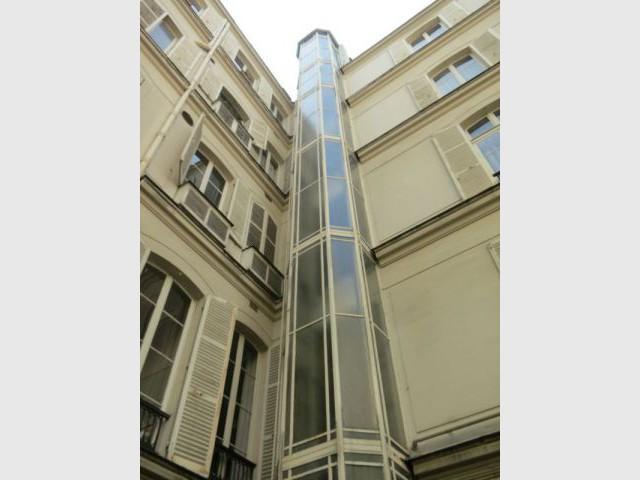 Colonne d'ascenseur - Chantier Isover - Paris 8