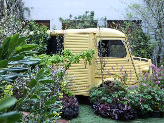 La mythique Fiat 500 remplacée par un Yellow Garden Truck  - Concept store Merci