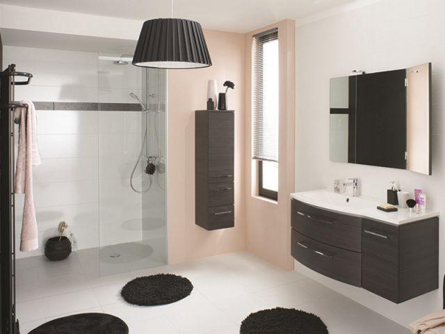 Une douche discrète pour une atmosphère de boudoir  - Douche à l'italienne