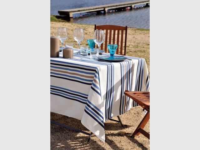 Un dîner romantique sur la plage - Une décoration d'inspiration marine