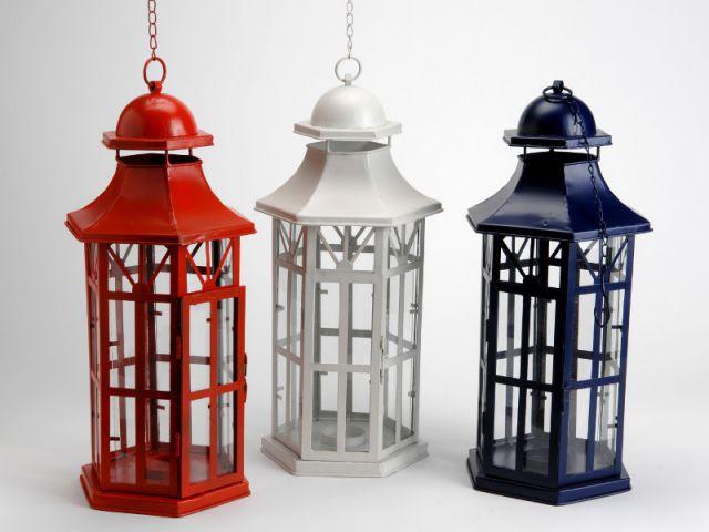 Des lanternes tricolores chics rétro - Une décoration d'inspiration marine