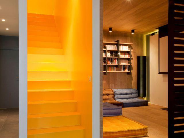Un escalier repeint dans un esprit joyeux - Appartement familly loft