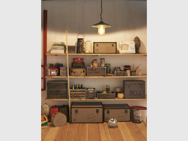 Des boîtes de rangement au style industriel pour un effet rétro - Des aménagements pour garages et sous-sols
