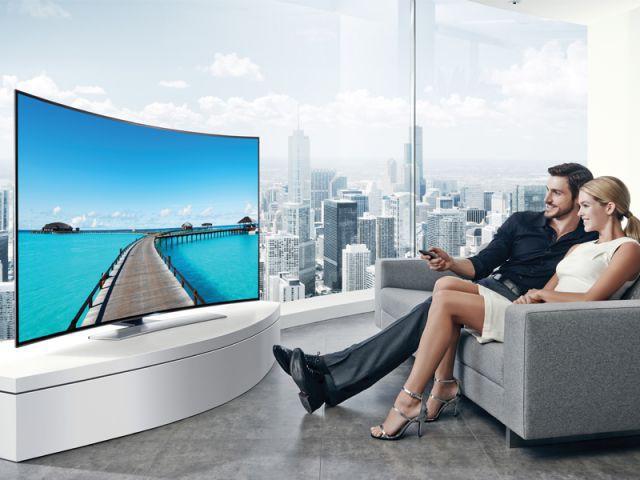 Un téléviseur incurvé pour une sensation d'immersion - Samsung