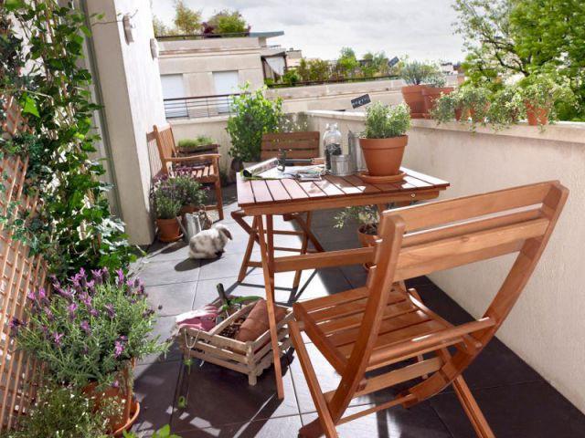 Pour un balcon contemporain à dominante bois - Une sélection d'aménagements pour balcons