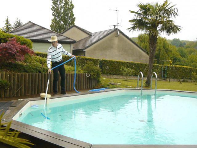 Un aspirateur pour piscine écologique