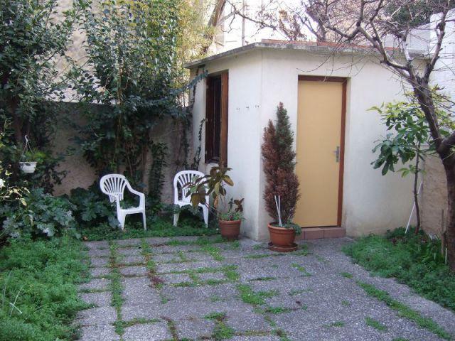 Avant : Un jardin défraîchi et peu chaleureux  - Rénovation bois - Projet Craponne