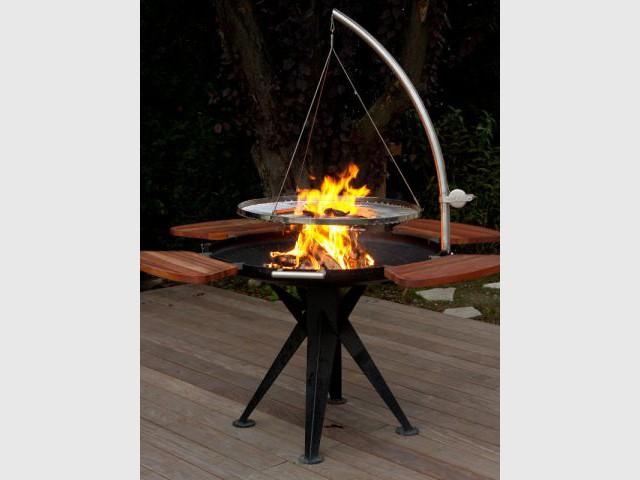 Un barbecue suspendu - Dix barbecues originaux et innovants