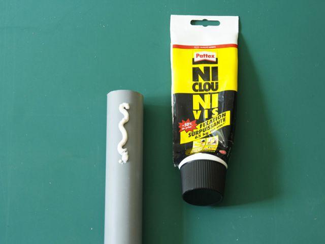 Créer un rangement malin avec un tuyau - Fixer le tuyau (1/2) - Créer un rangement malin avec un tuyau