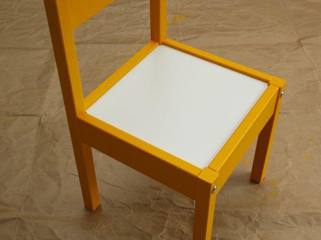 Personnaliser un meuble pour enfant : La seconde chaise - Tutoriel customiser mobilier pour enfants