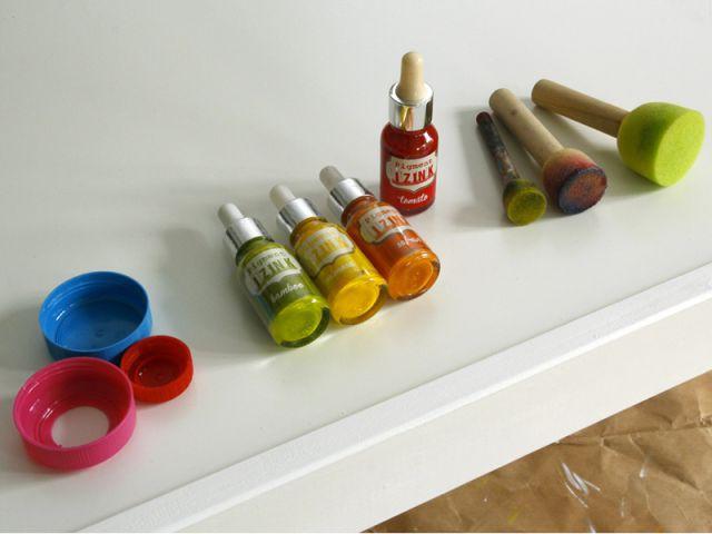 Personnaliser un meuble pour enfant : Peindre la table - Tutoriel customiser mobilier pour enfants