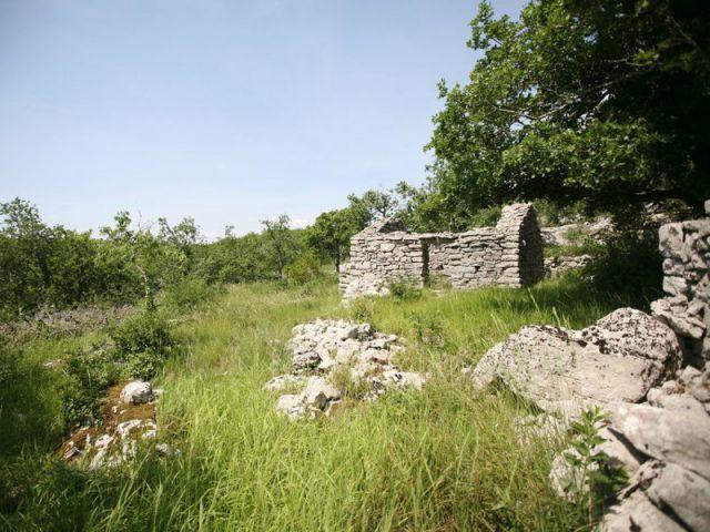Avant : deux abris de berger en ruine - Maison Caldium