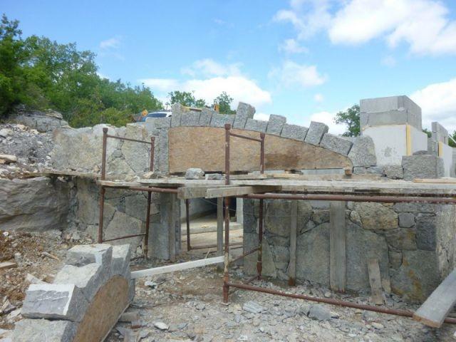 Des pierres d'origine réutilisées - Maison Caldium
