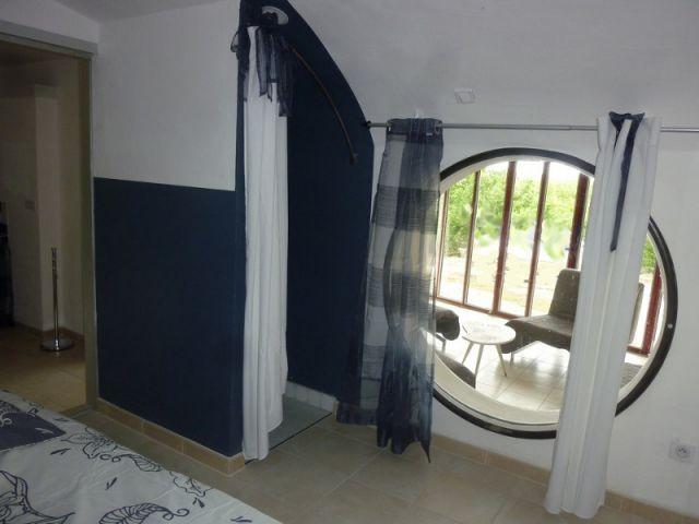 Une chambre bleue acier - Maison Caldium