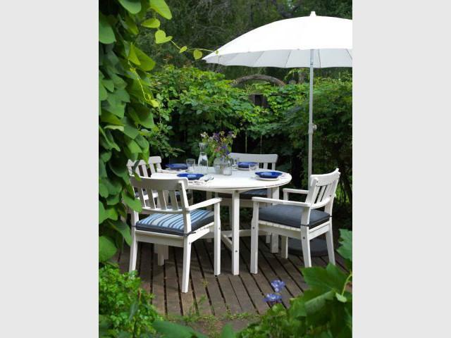 Une table d'été fraîche et classique - Table d'été