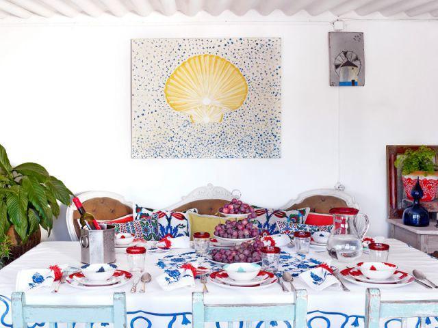 Une table façon île grecque - Table d'été