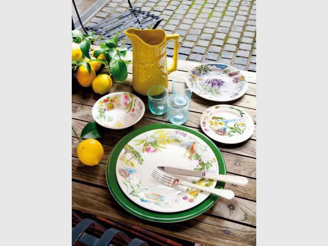 Une table aux couleurs du Brésil  - Table d'été