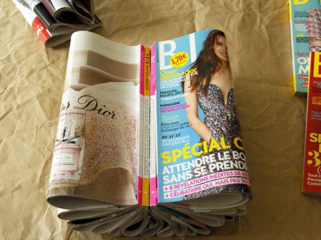Collez les magazines entre eux - Tutoriel redonner vie à des objets inutiles