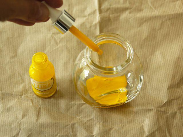 Peindre l'intérieur des bocaux - Tutoriel redonner vie à des objets inutiles