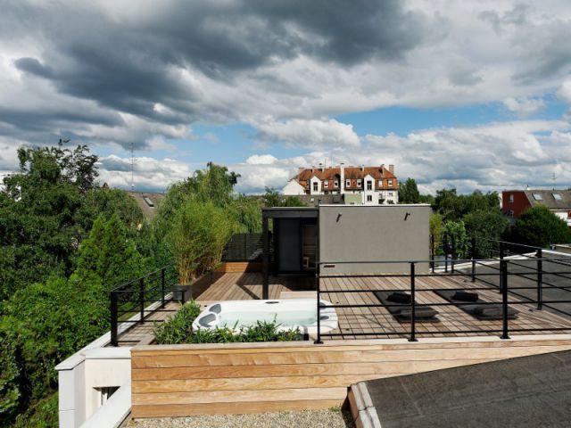 Une vue imprenable sur un quartier verdoyant - Un toit reconverti en terrasse