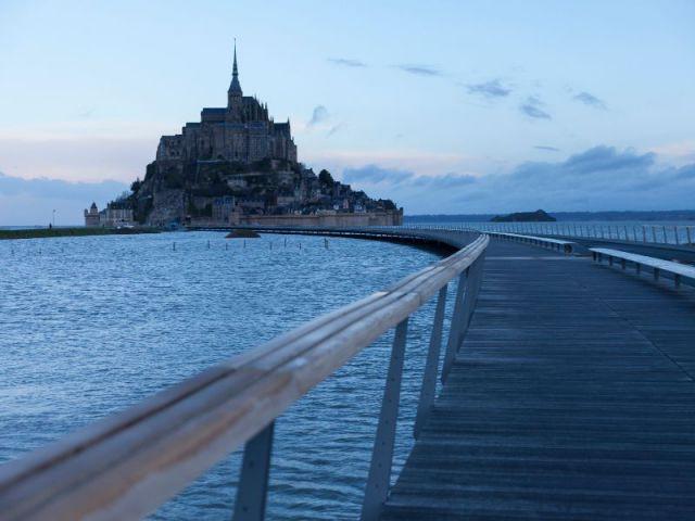 Le terre-plein, livré septembre prochain  - Mont-Saint-Michel : le pont-passerelle prêt à l'ouvrage