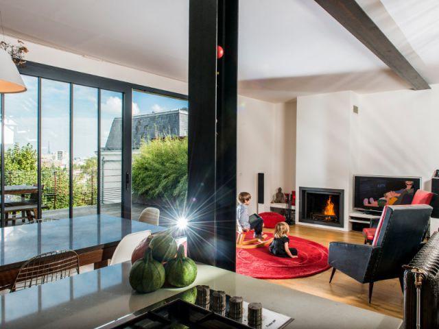 Accessoires chinés, meubles architecturaux, style épuré - Une extension lumineuse et vintage à Meudon