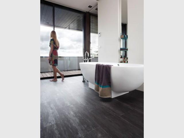 Un sol anti humidité facile à poser pour plus de confort - Salle de bain à petit prix