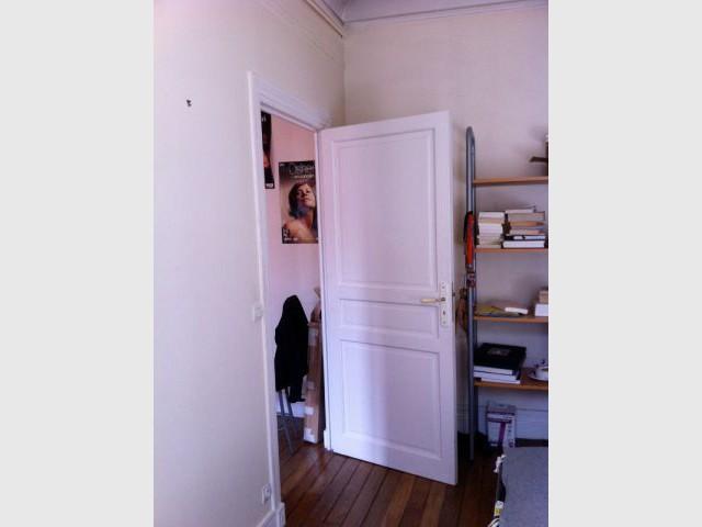 Un meuble central décloisonne un appartement vétus