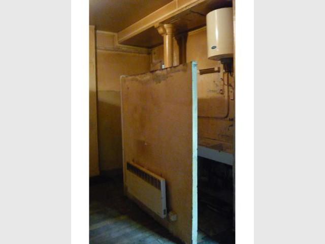 Exit l'ancienne cloison de la cuisine ! - Loge de gardiens en studio moderne